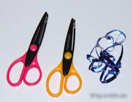 Nożyczki robiące wzorki - przydają się przy wycinaniu brody i puchowych dodatków, ale nie są niezbędne