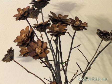 Kwiatki z szyszek