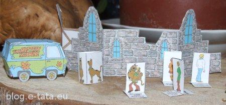 Scooby Doo z papieru, zrobione przez dzieci