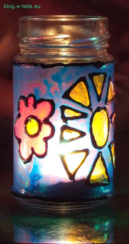 Lampion witrażowy ze słoika, zrobiony przez dziecko
