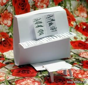 Pianino z papieru